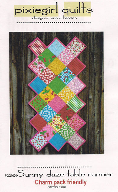 Free Patterns > Holiday Memories Bonus Table Runner